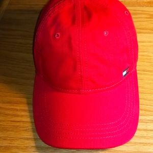 TOMMY HILLFIGER HAT WITH STRAP